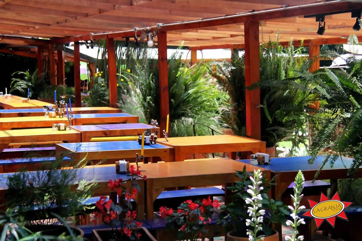 Mesas restaurante La Granja Tenjo